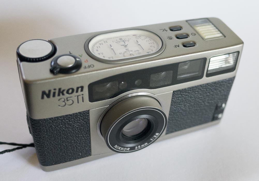 Nikon_35